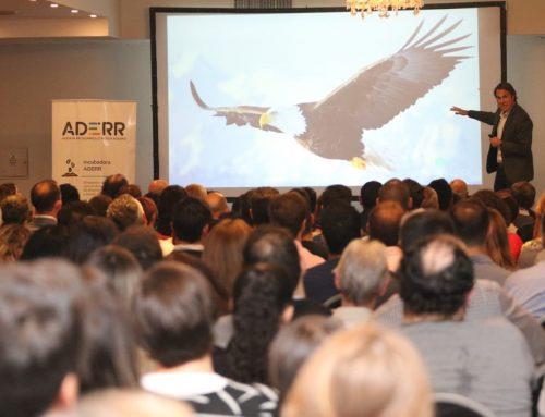 ADERR convocó a más de 400 personas para escuchar a Jonatan Loidi