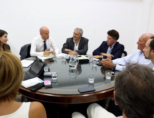 El secretario Merediz se reunió con representantes de FADELRA
